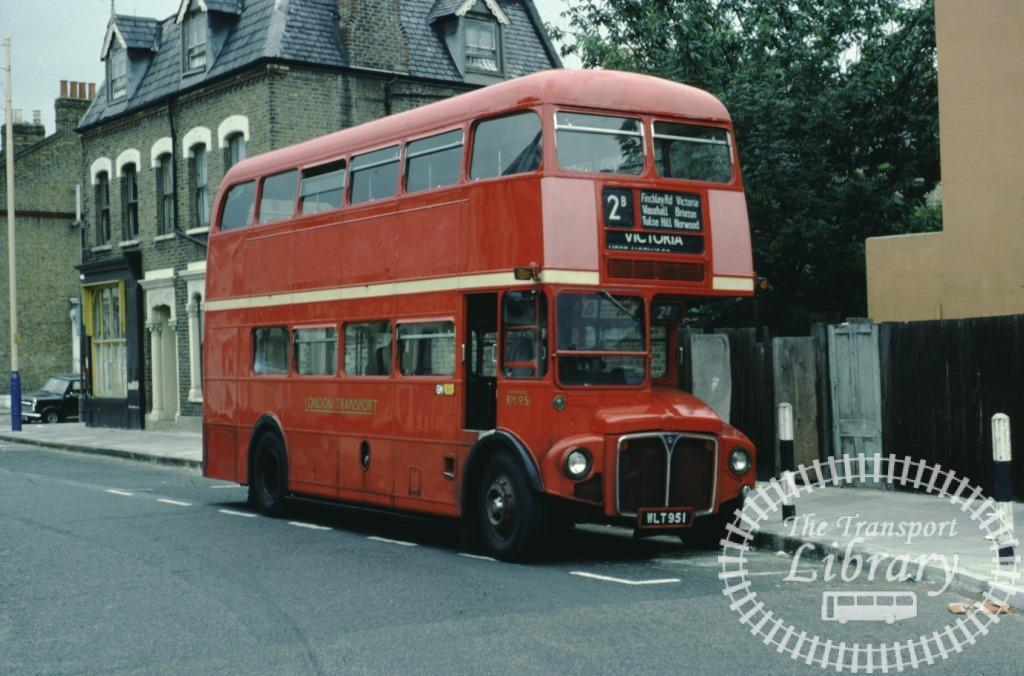 PHOTO London Transport AEC AEC Routemaster Class RM RM951 WLT951