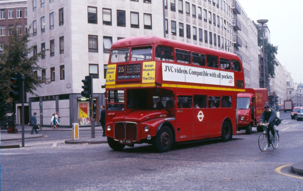 PHOTO London Transport AEC Routemaster Class RM RM836 WLT836 at Cheapside 1986