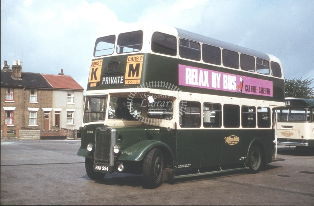 RKK994 Maidstone & District DH454 Guy Arab III Weyman June 1962  Cliff Essex
