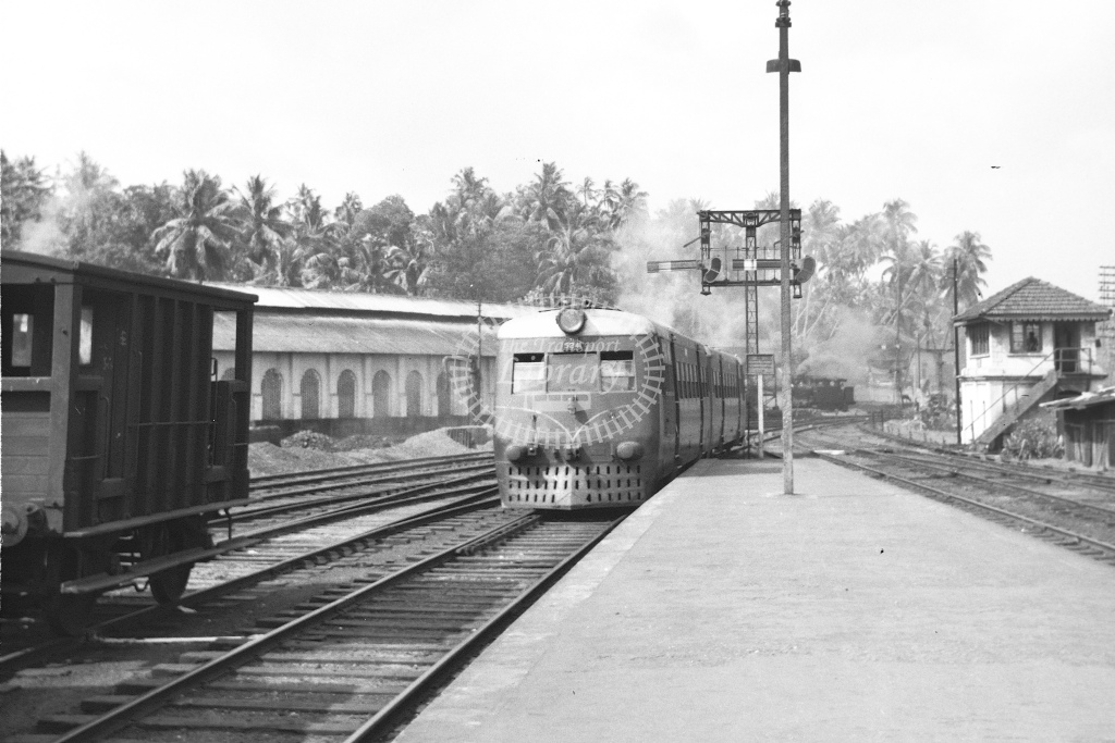 Foreign DMU. No details - H Cartwright - CW10236