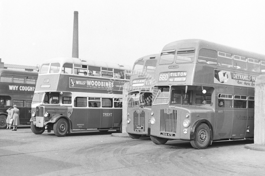 Midland Red  buses at St Margarets bus station Leicester - H Cartwright - CW10546