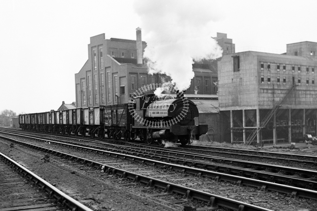 East Midlands Gas Board 0-4-0ST series 2 at Leicester Gas Works - H Cartwright - CW11540