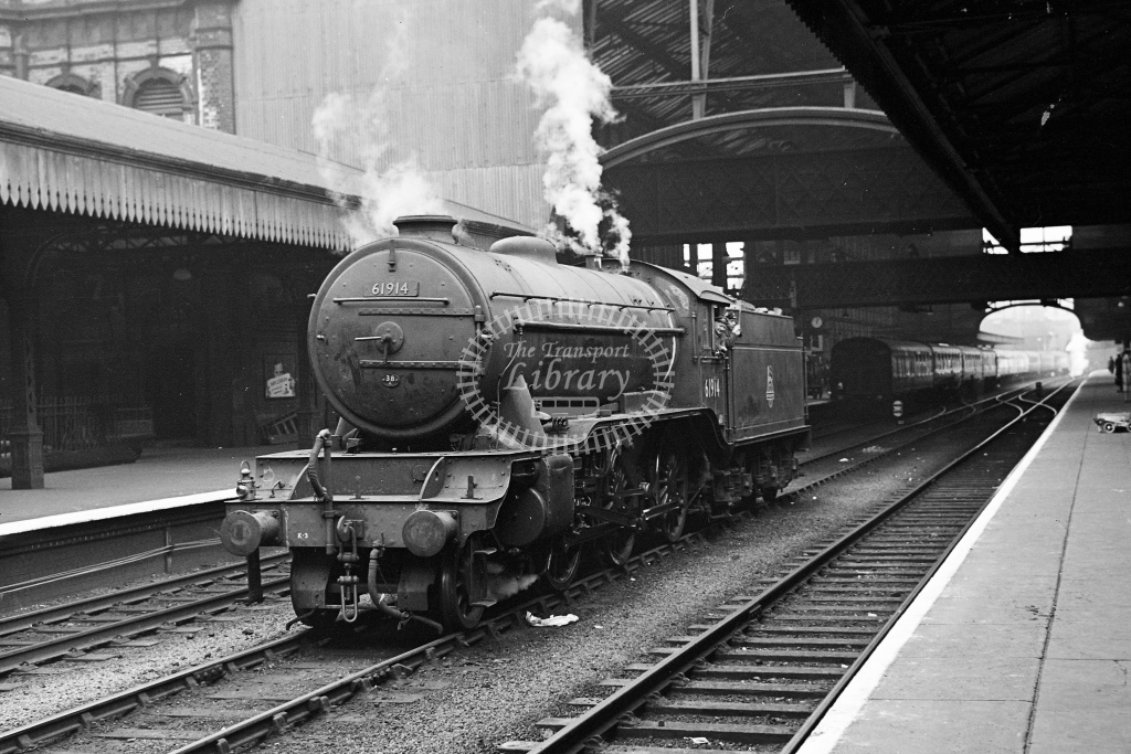 BR ex LMS 2-6-0 No.61914 at Nottingham Victoria - H Cartwright - CW11546
