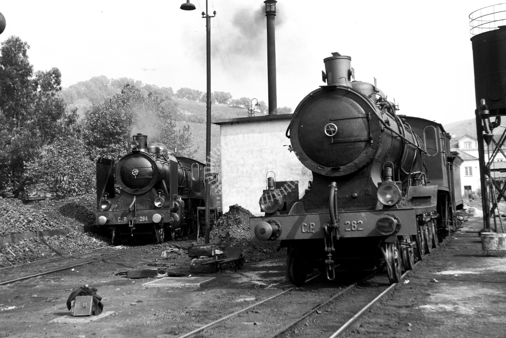 CP Portugal Railways Steam Locomotive 282 & 294  at Regua  in 1972 - 09/09/1972 - David Anderson