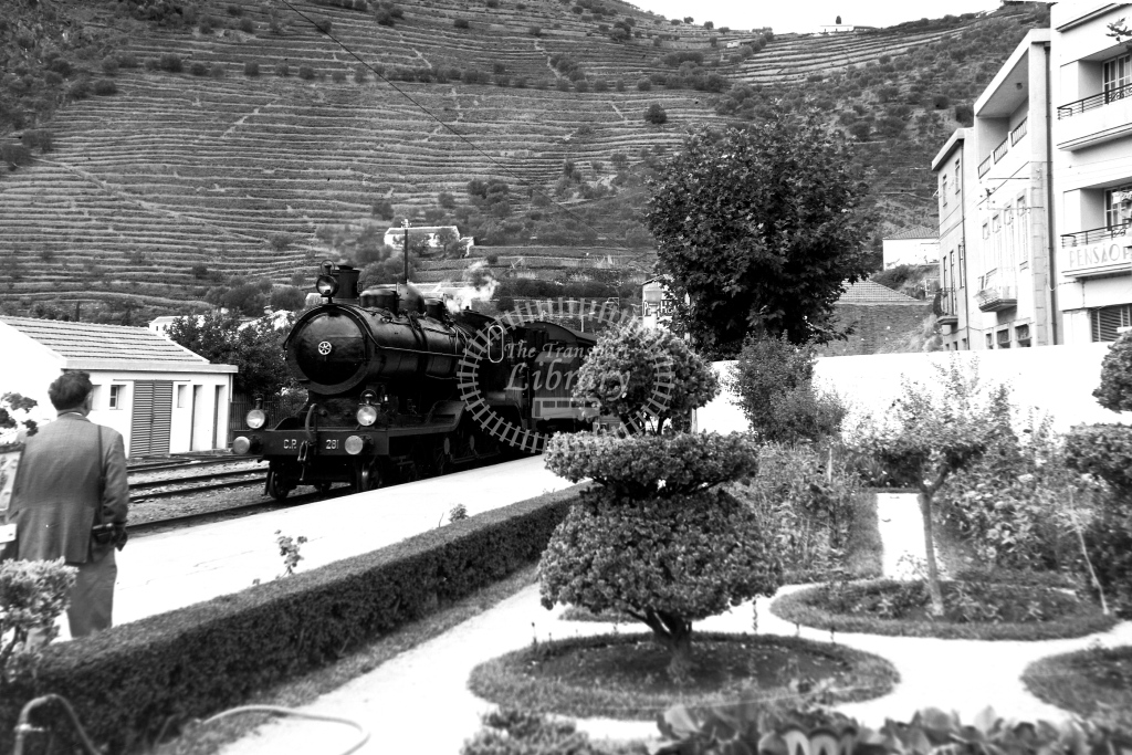 CP Portugal Railways Steam Locomotive 281  at Pinhao  in 1972 - 09/09/1972 - David Anderson
