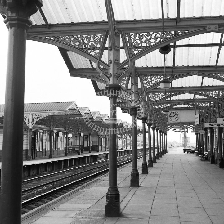 British Rail Station View  at Kettering  in 1983 -  04/05/1983 - Horace Gamble