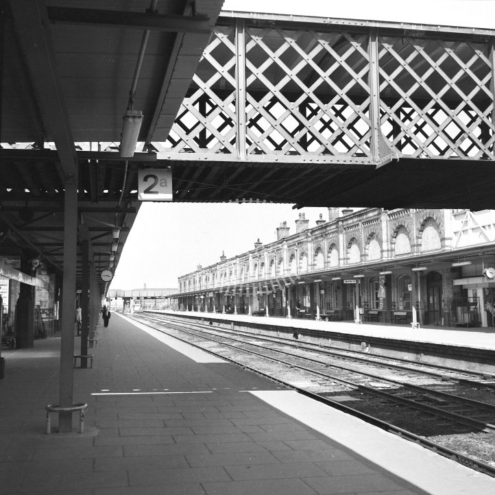 British Rail Station View  at Leicester London Road  in 1977 - Roof removed & temporary awnings. View north from Platform 3 -  28/05/1977 - Horace Gamble