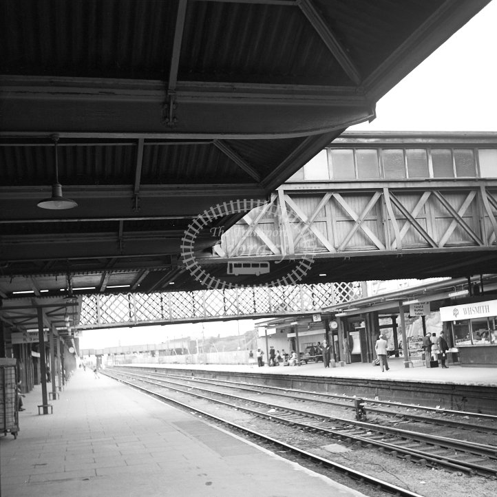 British Rail Station View  at Leicester London Road  in 1978 - Re-building of platforms 3/4 -  18/07/1978 - Horace Gamble