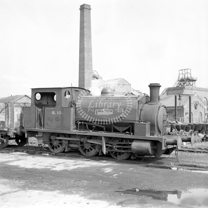 NCB National Coal Board Industrial Steam Locomotive  S.101  Class Hunslet 0-6-0ST (HE1094/1912)  at Waterhaigh Colliery, Woodlesford, Yorks  in 1968 -  17/08/1968 - Horace Gamble