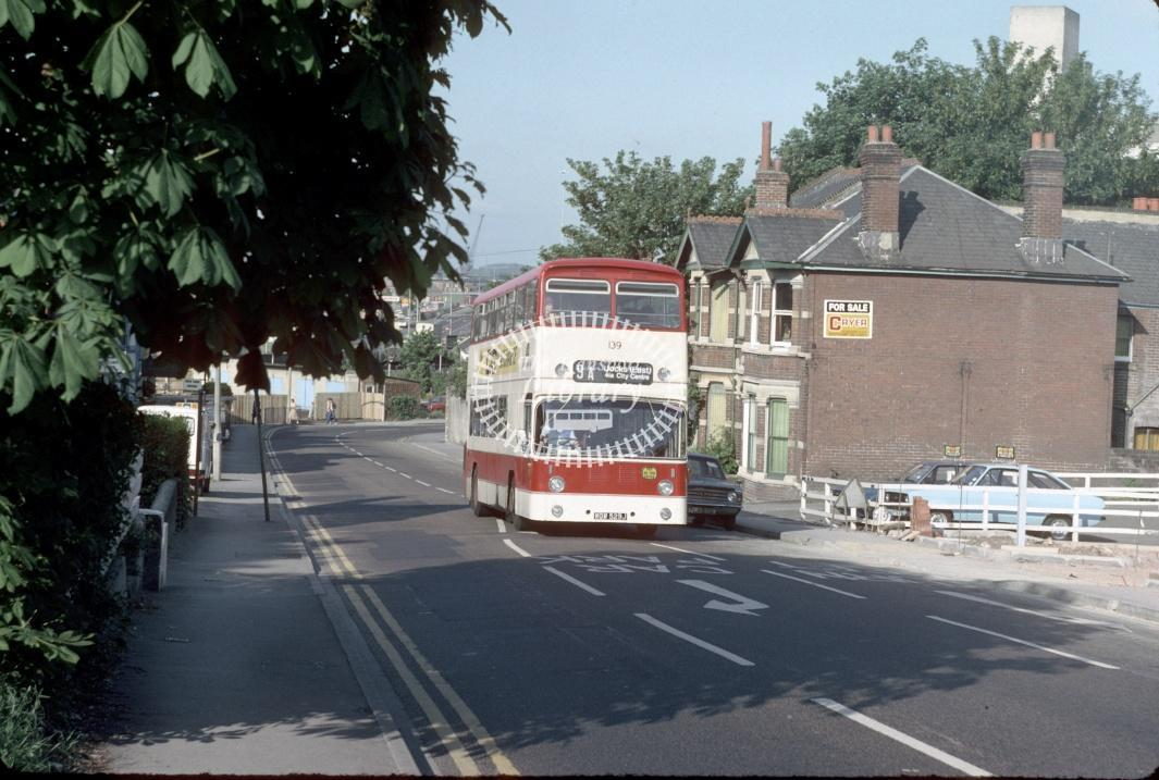 Southampton Leyland PDR1A/1 139 WOW529J at Southampton area in 1980 - 29373 - Harry Hay
