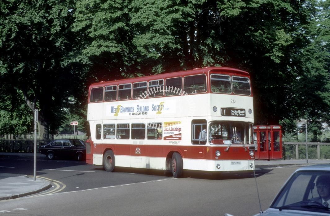 Southampton Leyland AN68 223 PBP223S at Southampton area in 1980 - 29373 - Harry Hay