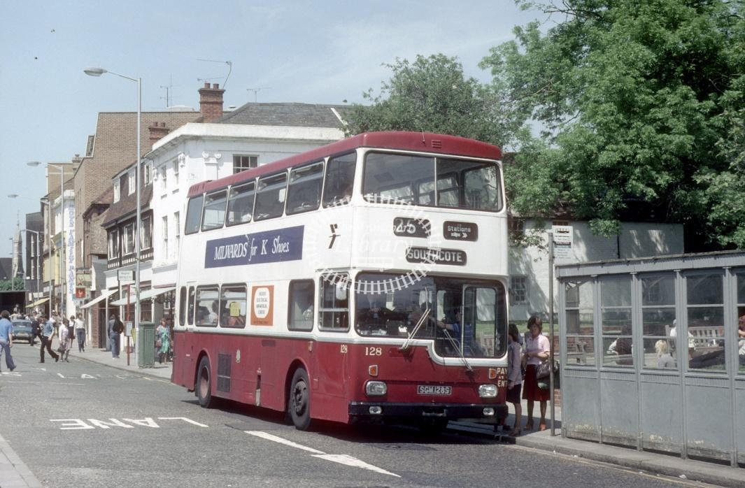 Reading Scania BR111 128 SGM128S at Reading Town centre in 1980 - 29373 - Harry Hay