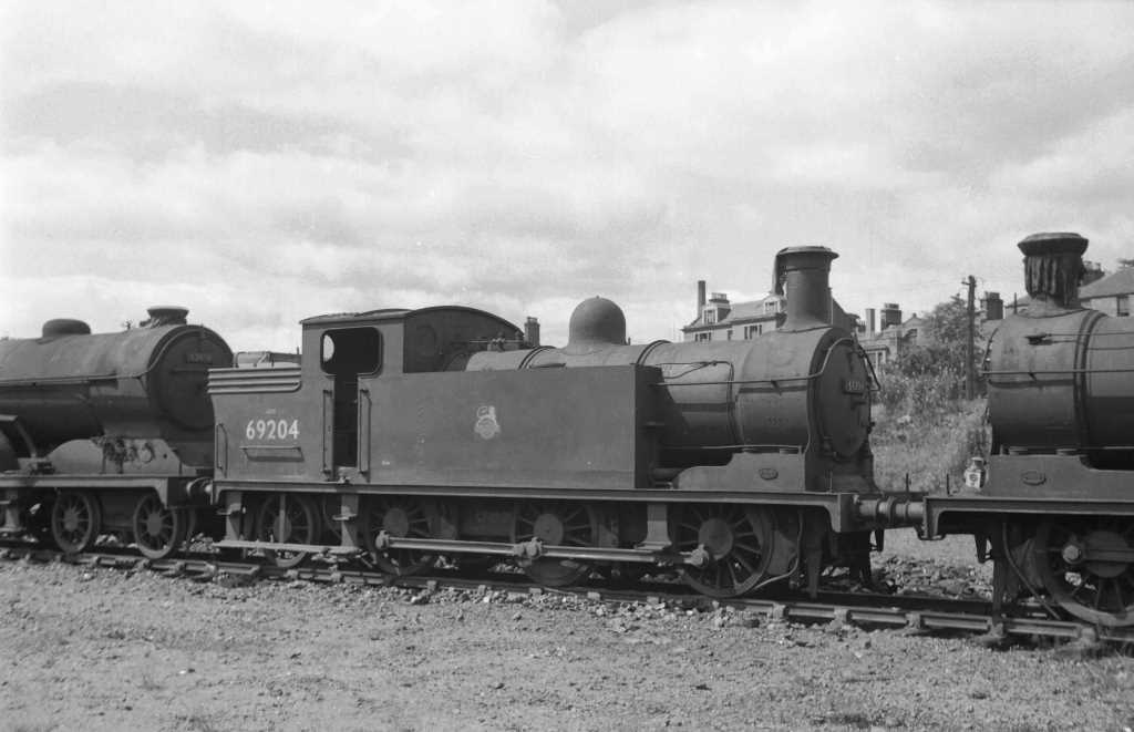 BR British Railways Steam Locomotive Class N15/1 69204  at Dundee in 1959 - 30/07/1959 - J E Bell