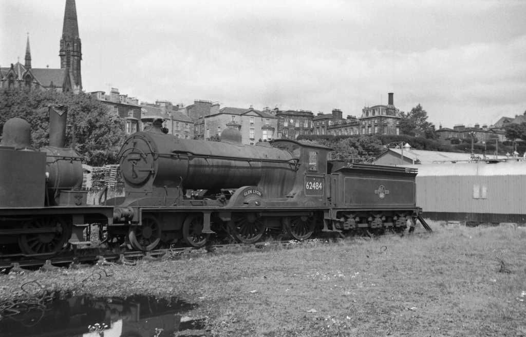 BR British Railways Steam Locomotive Class D34 62484  at Dundee in 1959 - 30/07/1959 - J E Bell