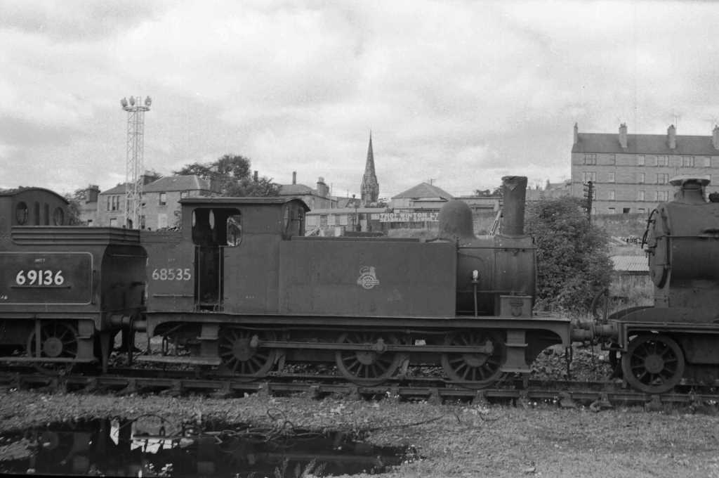 BR British Railways Steam Locomotive Class J69 68535  at Dundee in 1959 - 30/07/1959 - J E Bell