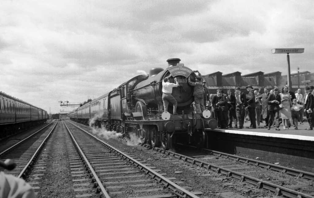 BR British Railways Steam Locomotive Class D16/3 62613  at Cambridge in 1959 - 12/07/1959 - J E Bell
