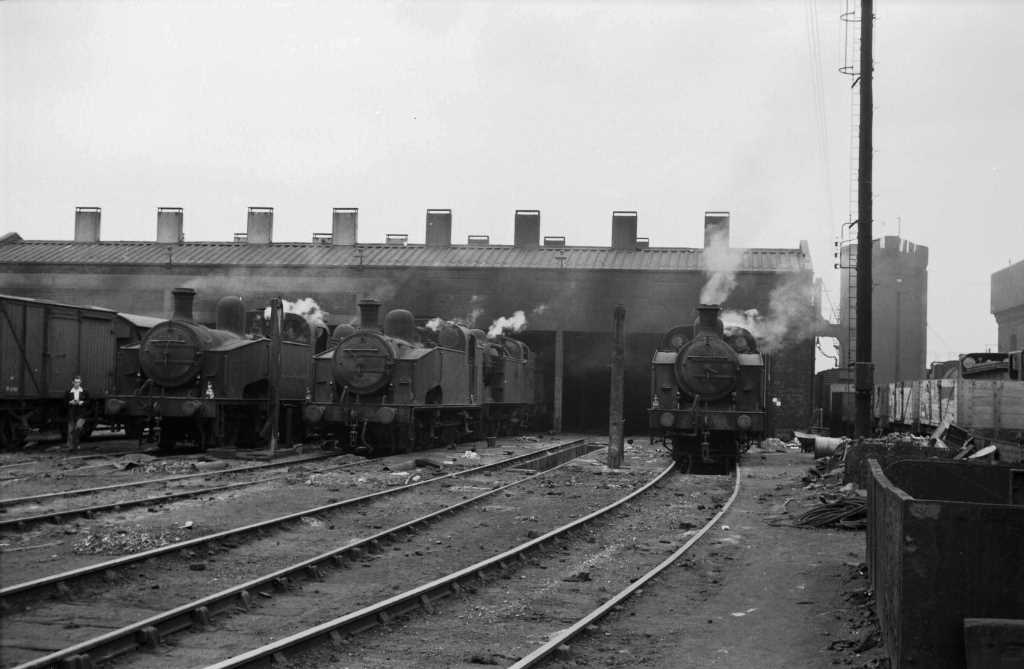 BR British Railways Steam Locomotive Class J50/2 68936  at Hornsey in 1959 - 31/05/1959 - J E Bell