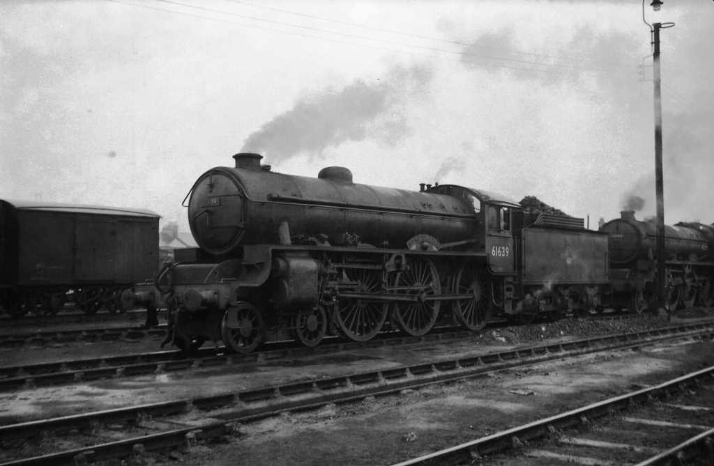 BR British Railways Steam Locomotive Class B2 61639  at Cambridge in 1959 - 03/05/1959 - J E Bell