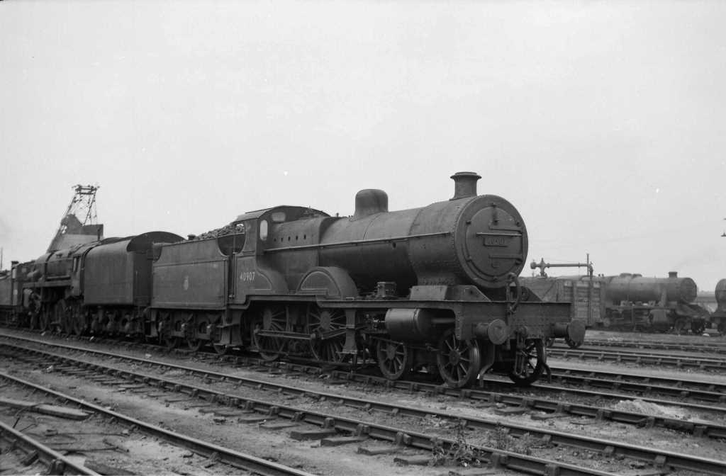BR British Railways Steam Locomotive Class 4P-A 40907  at Cricklewood in 1959 - 31/05/1959 - J E Bell