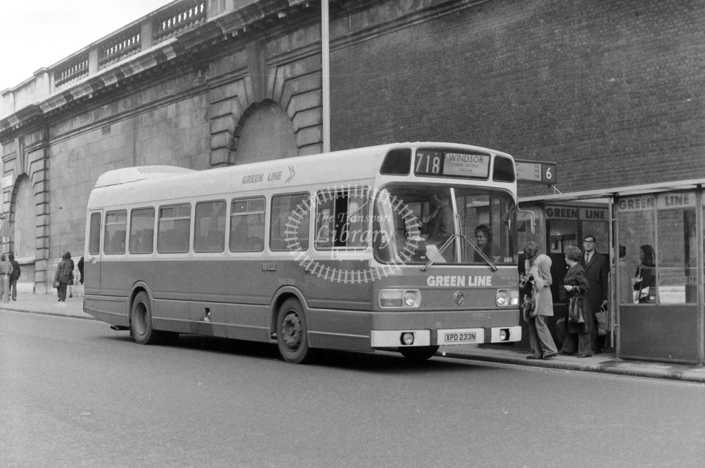 London Country Leyland National Class SNC SNC718 XPD233N at Victoria in 1970s on route 718 - JGS Smith