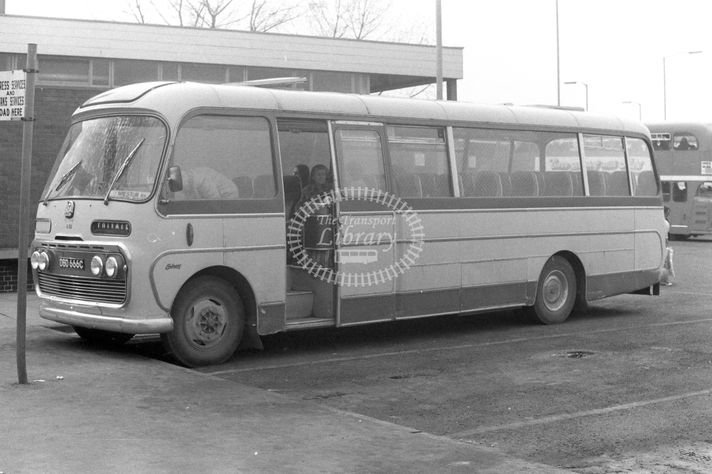 KW Daventry Bedford SB5 A58 DBD666C at Banbury in 1970s - JGS Smith