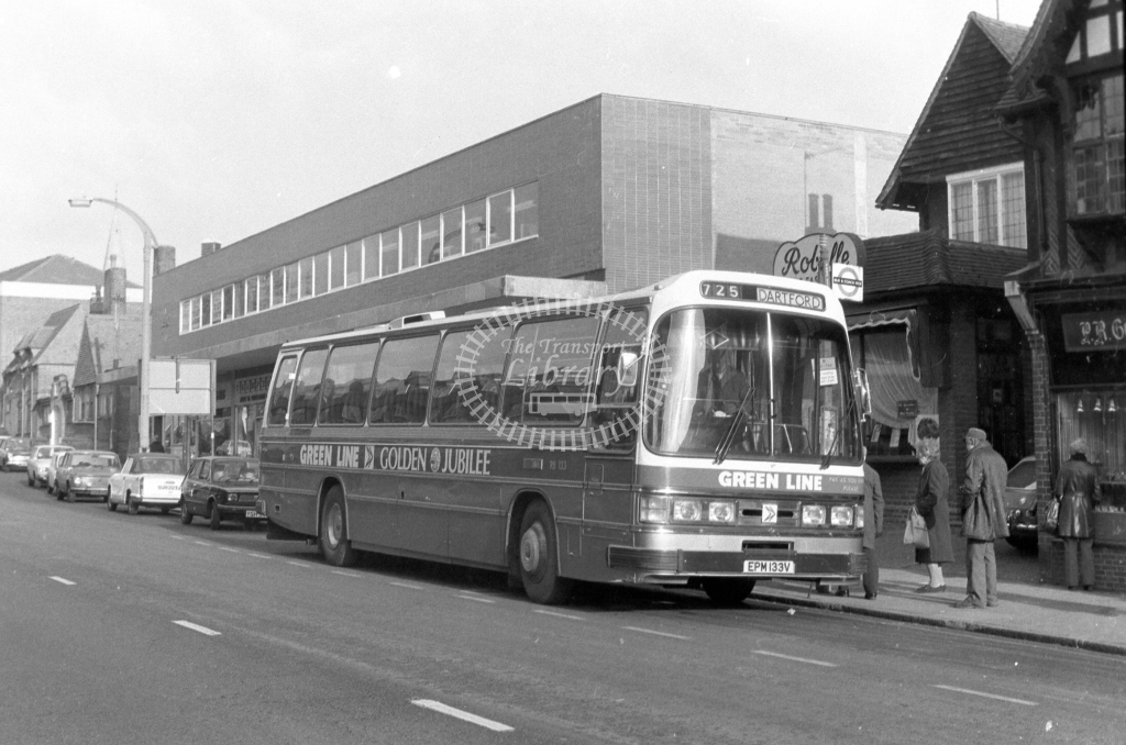 London Country AEC Reliance RB133  on route 725 EPM133V  in 1980 - JGS Smith