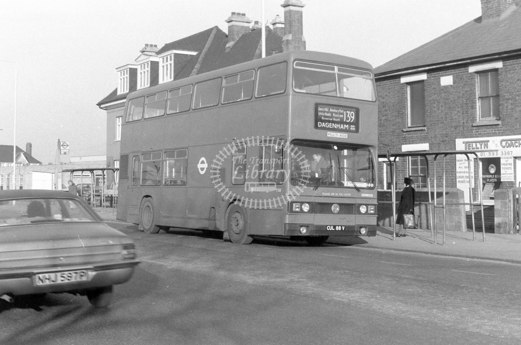 London Transport Leyland Titan T88  on route 139 CUL88V  in 1980 - JGS Smith