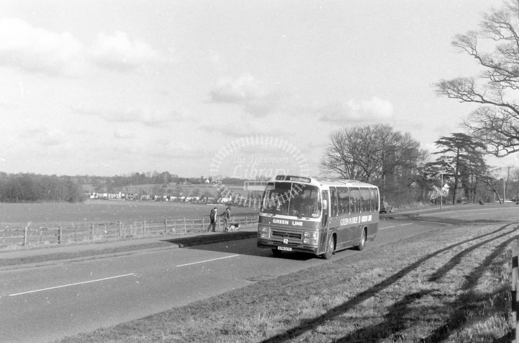 London Country AEC Reliance RS137  on route 722 EPM137V  in 1980 - JGS Smith