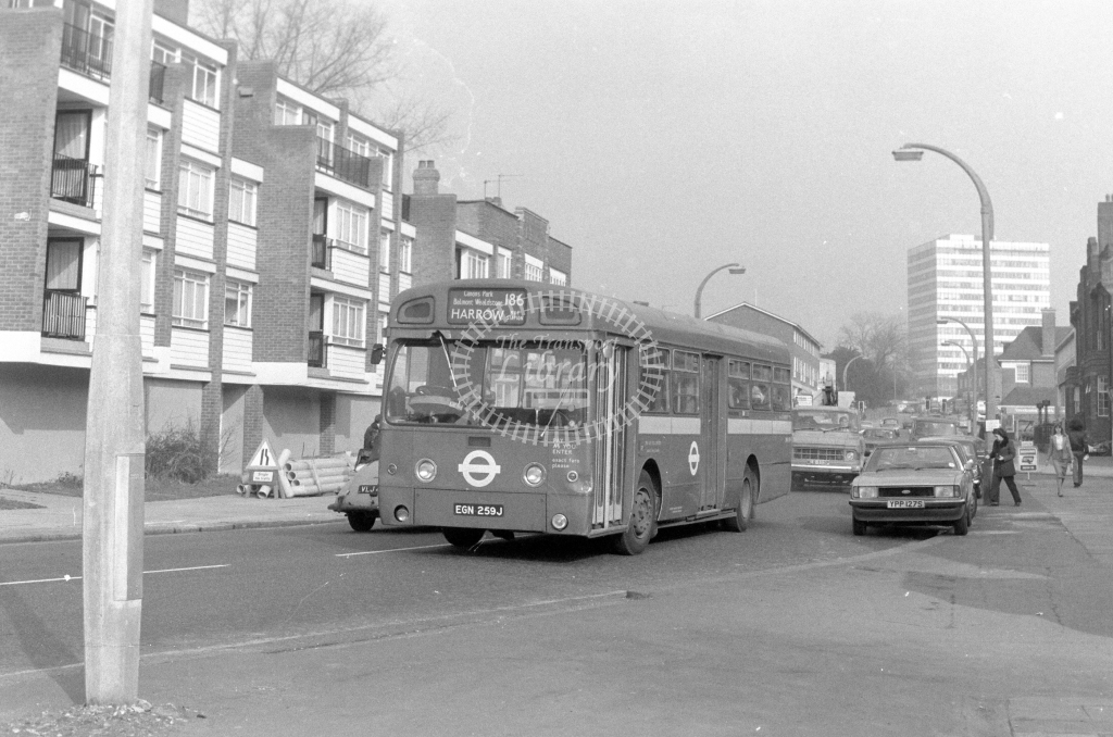 London Transport AEC Swift SMS259  on route 186 EGN259J  at Edgware  in 1980 - JGS Smith