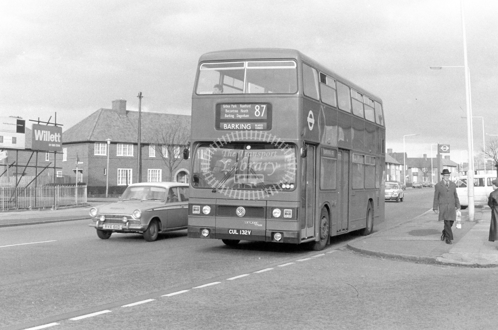 London Transport Leyland Titan T132  on route 87 CUL132V  in 1980 - JGS Smith