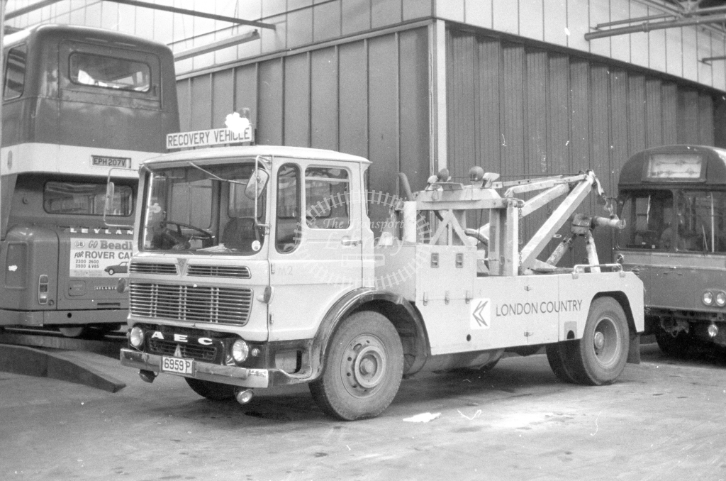 London Country AEC Towtruck M2 6959P  in 1980 - JGS Smith