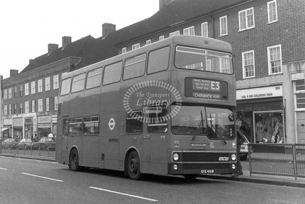 London Transport MCW Metrobus M491  on route E1 GYE491W  in 1980s - JGS Smith