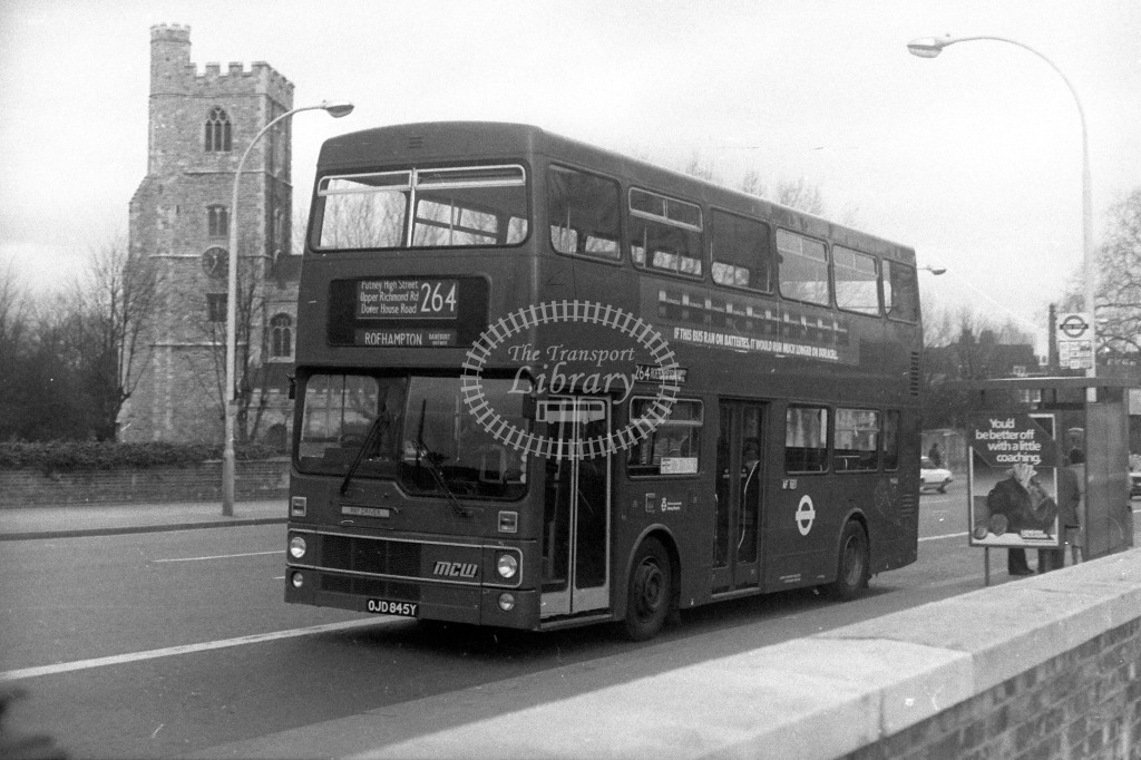 London Transport MCW Metrobus M845 OJD845Y  on route 264  at Putney  in  - JGS Smith