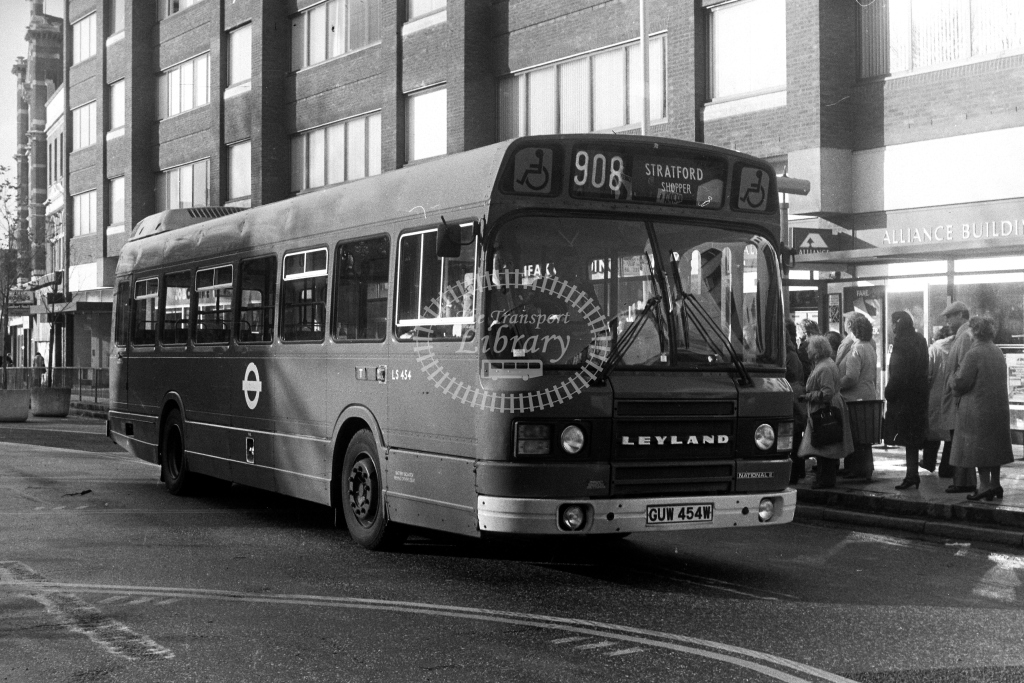 London Transport Leyland National LS LS454 GUW454W  on route 908  in 1980s - JGS Smith
