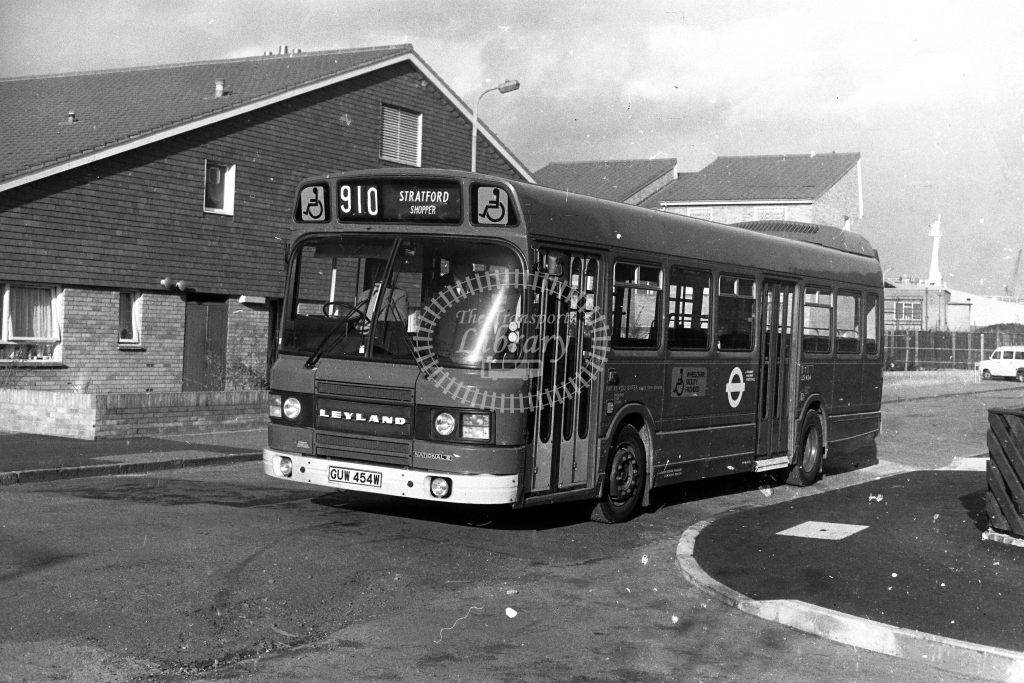 London Transport Leyland National LS LS454 GUW454W  on route 910  in 1980s - JGS Smith