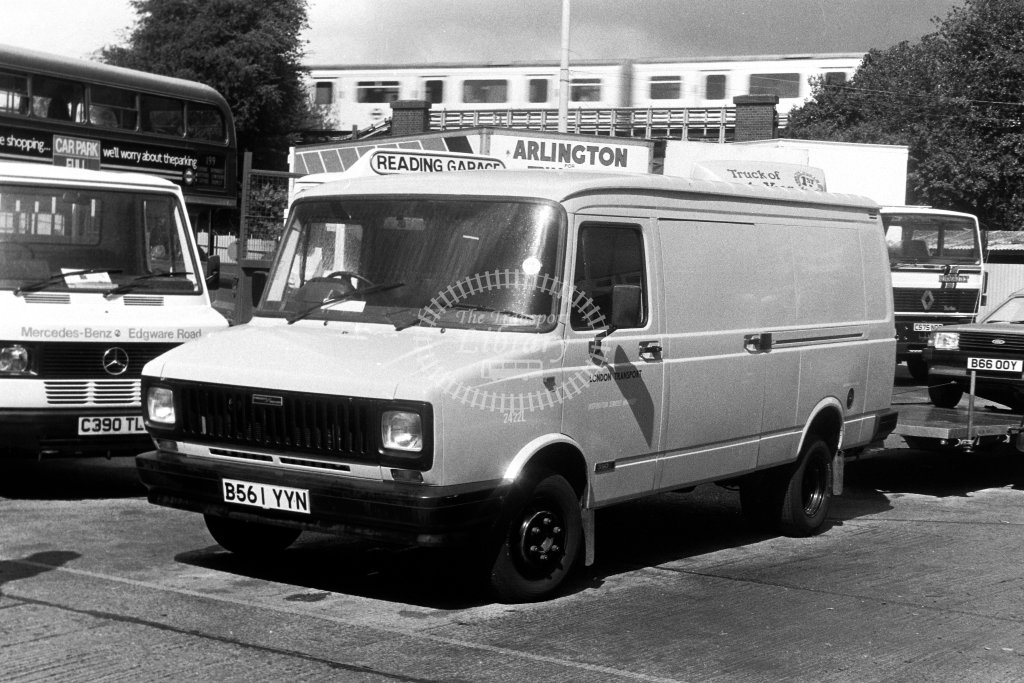 London Transport Freight Rover Service Vehicle 2422L B561YYN  in 1980s - JGS Smith