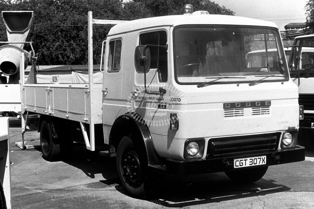 London Transport Dodge Service Vehicle 2307D CGT307X  in 1980s - JGS Smith