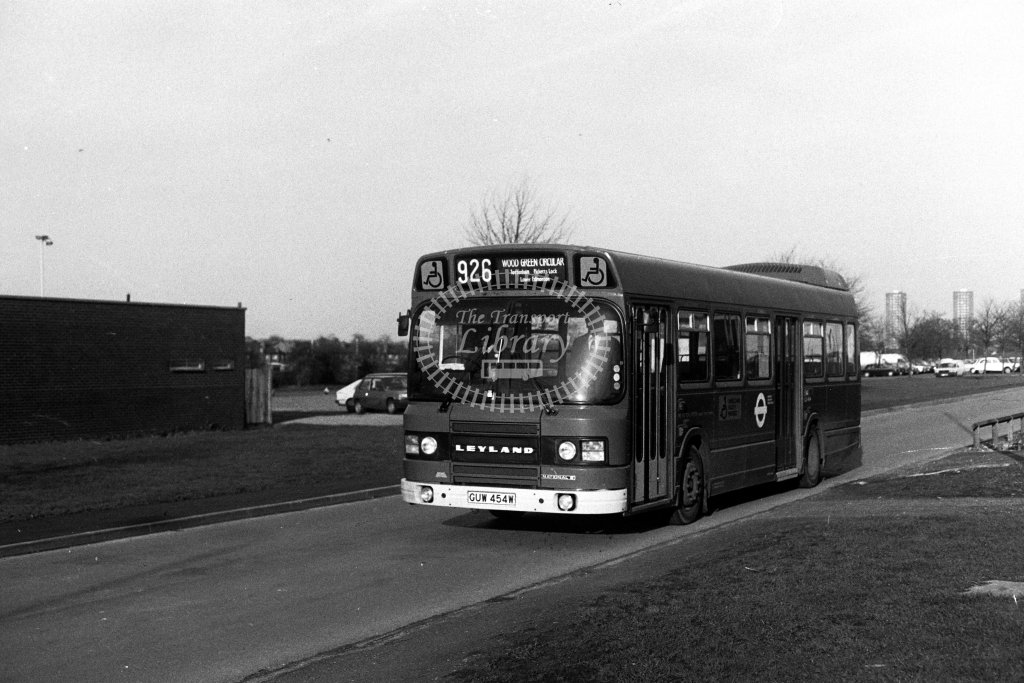London Transport Leyland National LS454 GUW454W  on route 926  in 1980s - JGS Smith
