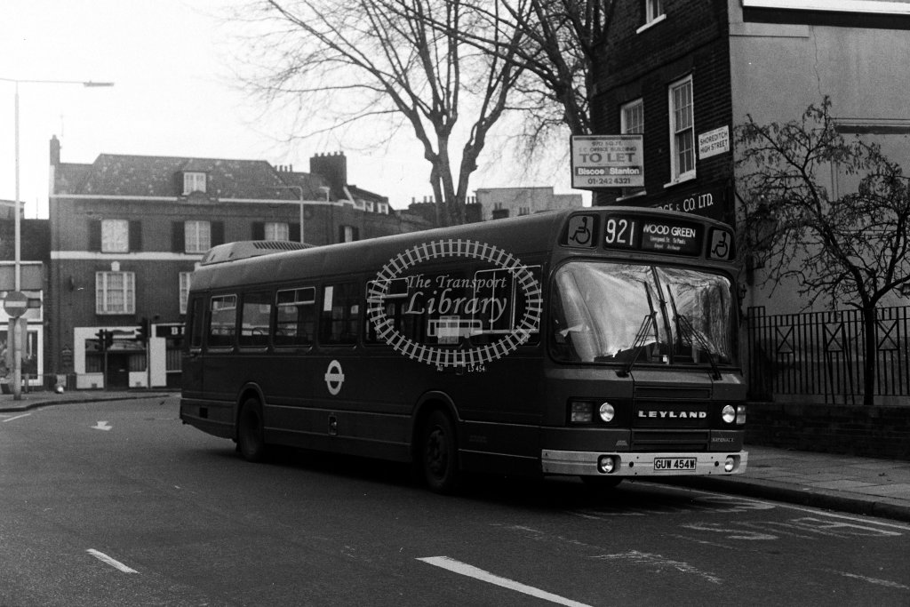 London Transport Leyland National LS454 GUW454W  on route 921  at Shoreditch  in 1980s - JGS Smith