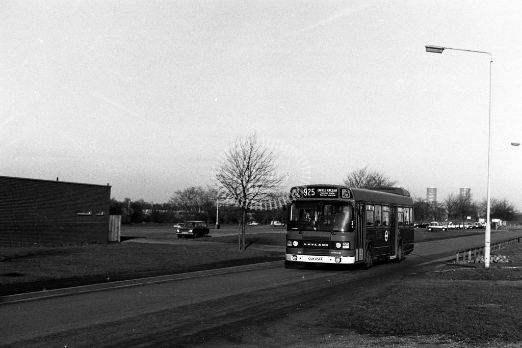 London Transport Leyland National LS454 GUW454W  on route 925  in 1980s - JGS Smith