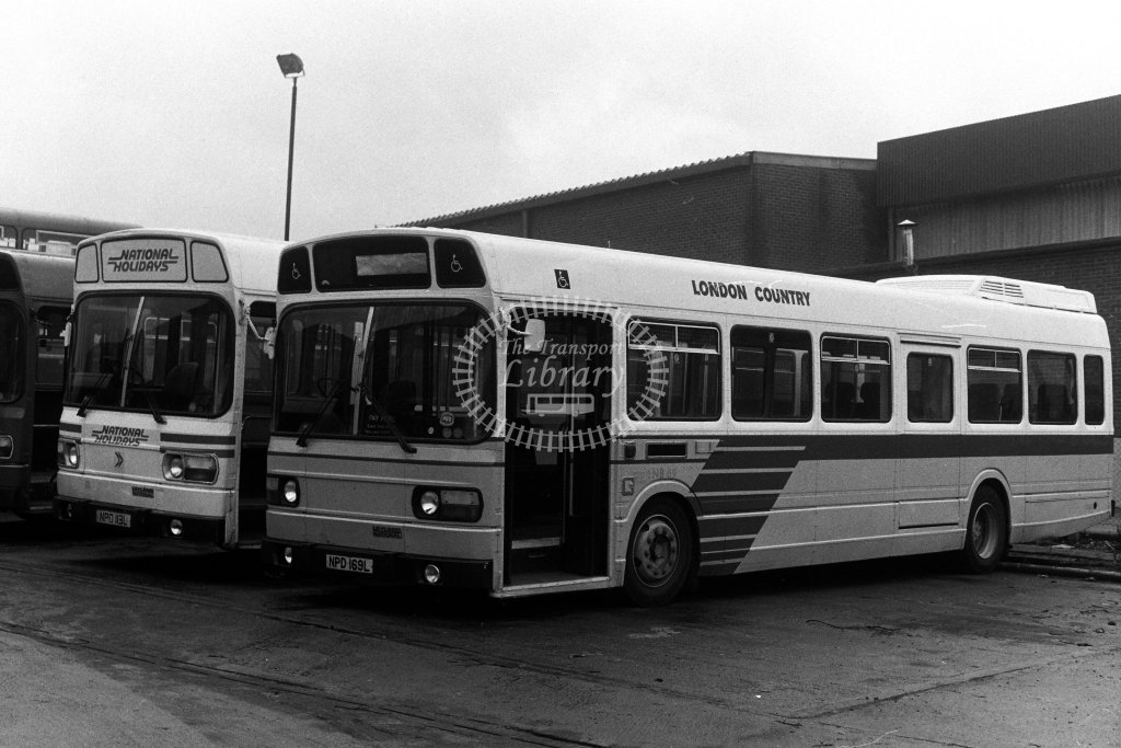 London Country Leyland National LNB69 NPD169L  in 1980s - JGS Smith