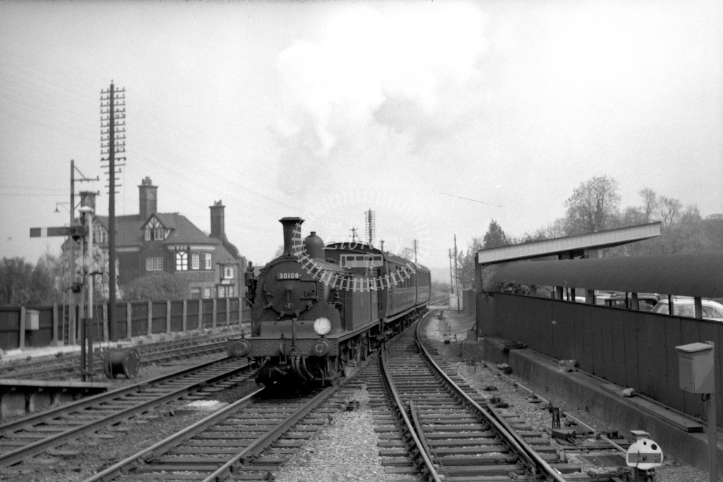 British Railways 30108 (LF) entg Brockenhurst after having crossed from the arrival platform with 12.8pm for Wimborne 23/4/60 - James Harrold