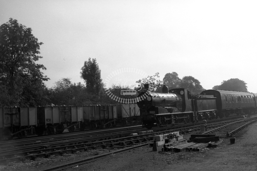 British Railways 30339 (LF) tn LCGB 'South Western Limited' at Barnes 18/9/60 - James Harrold