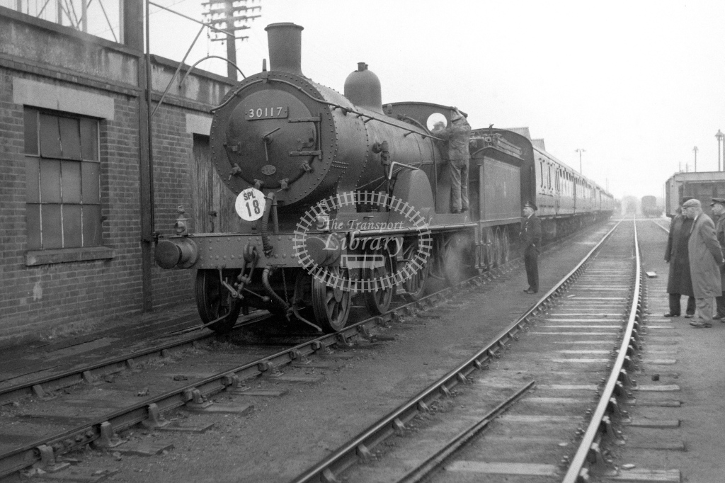 British Railways 30117 (LF) tn LCGB spl Eastleigh Works 30/4/61 - James Harrold