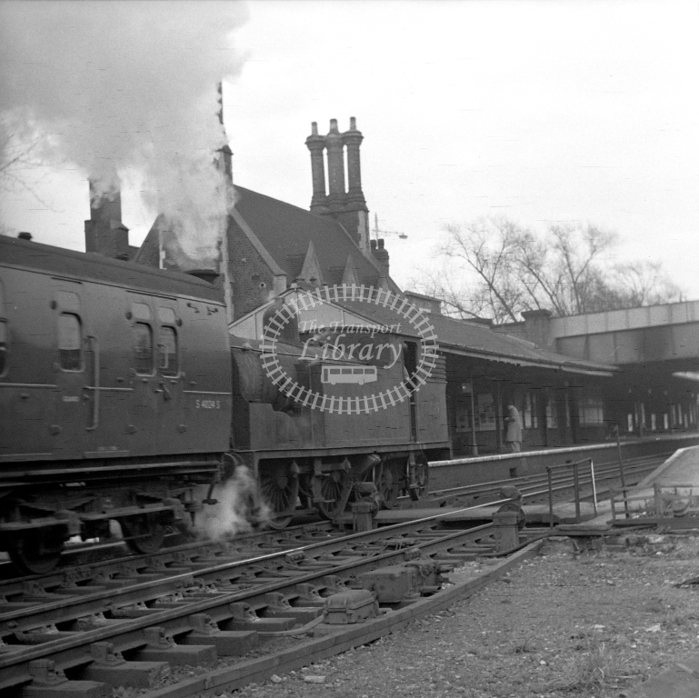 British Railways 30039 M7 (LF) B/F tn passing Barnes with stock for 7.29pm to Bournemouth West 19/4/62 - James Harrold