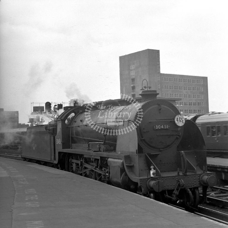 British Railways 30451 N15 (RF) L/E backing out of Waterloo 28/4/62 - James Harrold