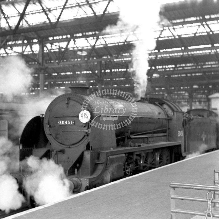 British Railways 30451 N15 (LF closer) tn Waterloo 28/4/62 - James Harrold