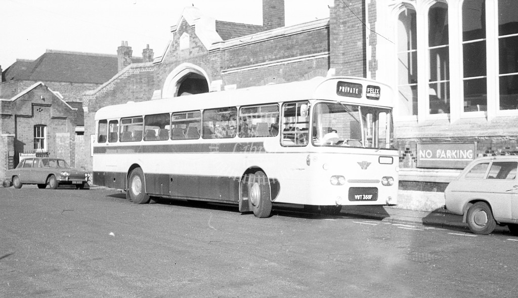Felix, Hatfield AEC Reliance UWT365F  in 1968 -  November  - JS Cockshott