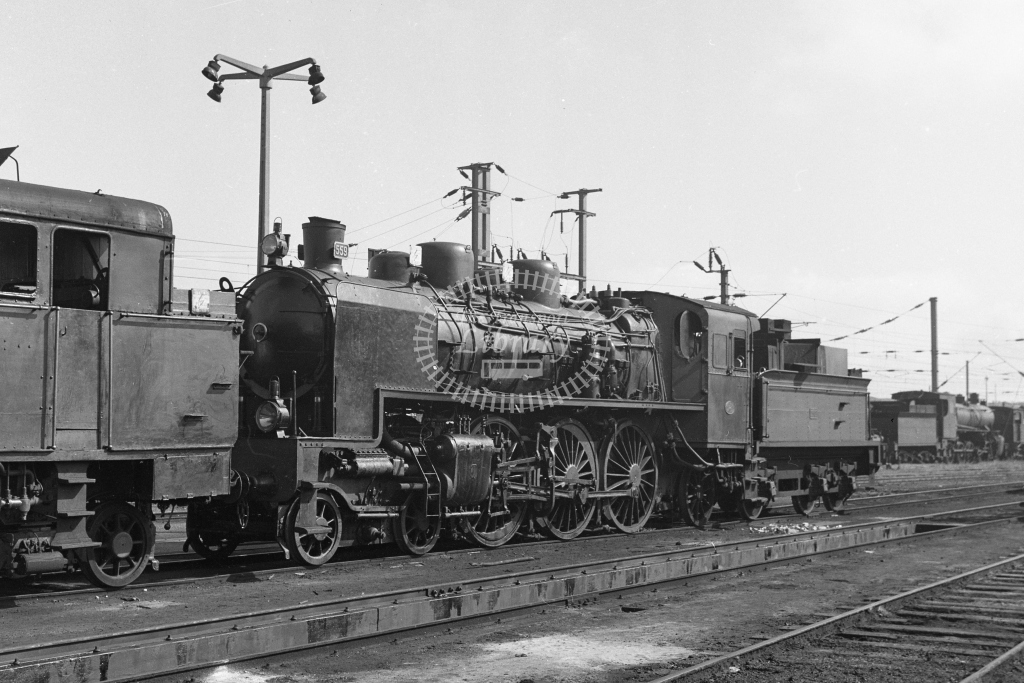 CP 559 4-6-2 at Contumil, Porto 1969 (Frank Saunders) - Lens of Sutton Association Portugal Collection