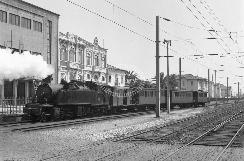 CP E182 2-4-6-0T Mallet backing out of Espinho Station, Porto 1969 (Frank Saunders) - Lens of Sutton Association Portugal Collection